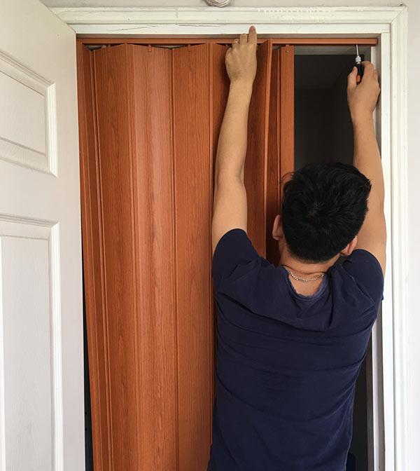hướng dẫn cách lắp cửa nhựa xếp nhà vệ sinh, nhà tắm