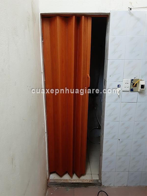 thi công lắp đặt cửa nhựa xếp nhà vệ sinh toilet giá rẻ nhất