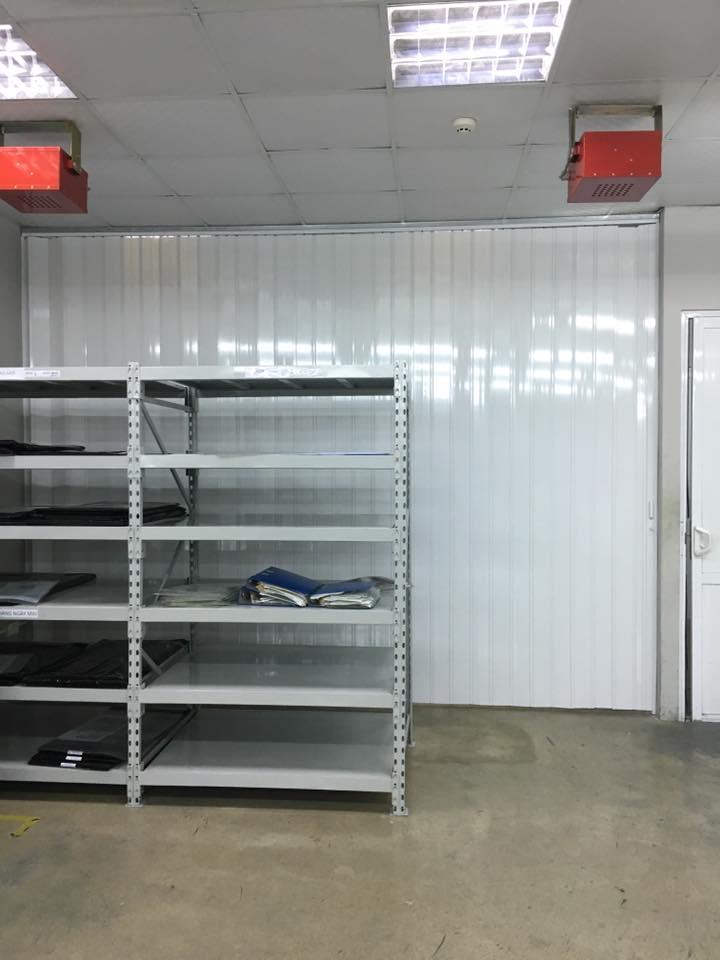 vách ngăn nhựa xếp di động cho nhà kho công ty