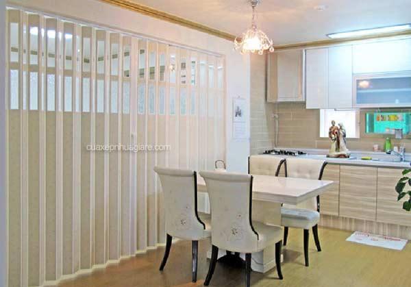 vách ngăn nhựa xếp di động phòng ăn và phòng khách