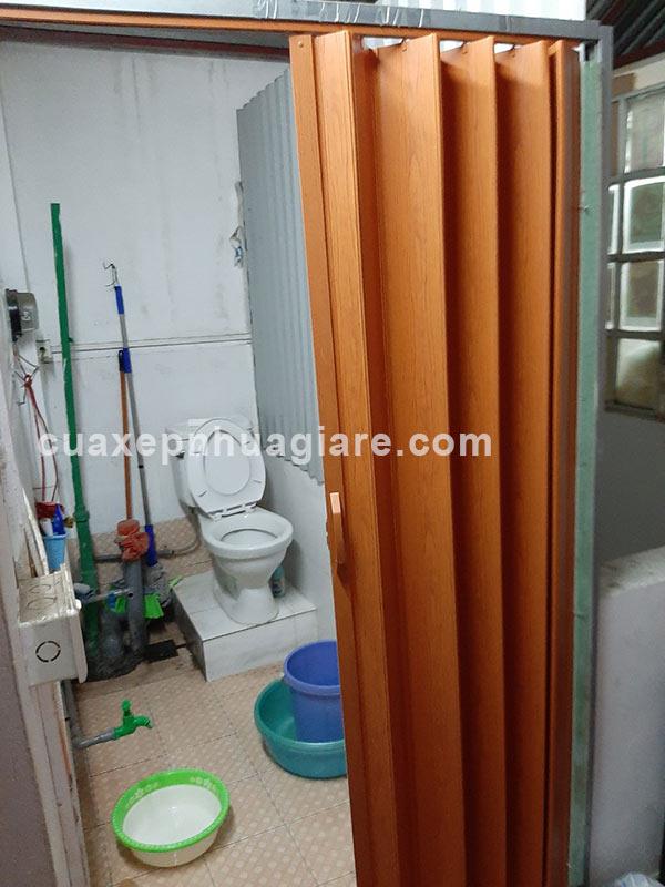 lắp cửa kéo nhựa nhà vệ sinh giá rẻ nhất