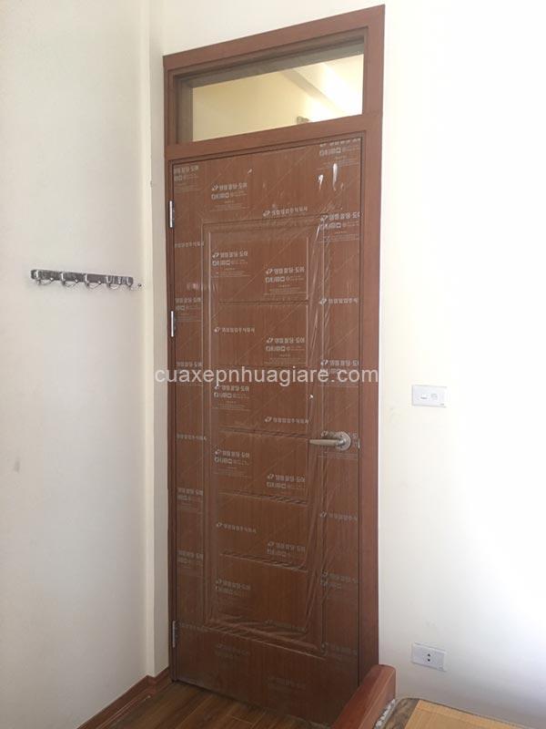cửa nhựa giả gỗ abs hàn quốc có ô kính cố định đẹp giá rẻ