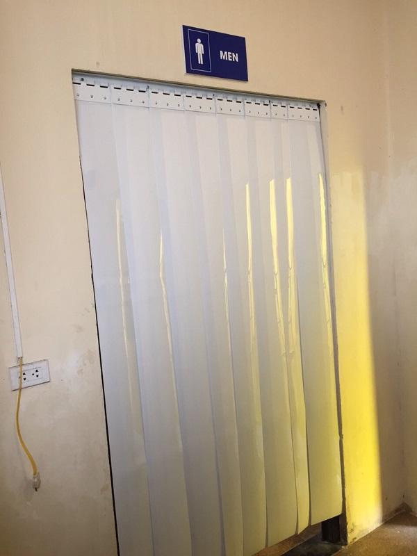 màn nhựa pvc cho nhà tắm phòng bơi