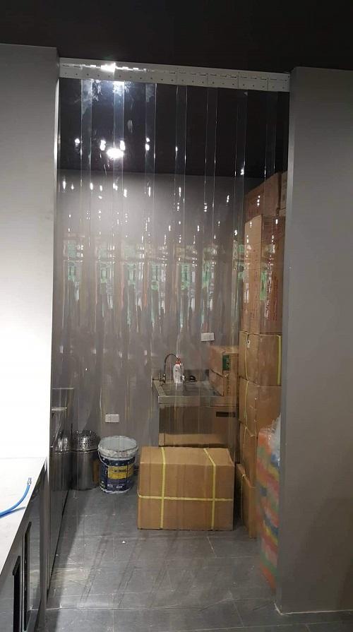 màng nhựa pvc ngăn lạnh kho hàng