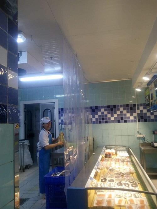lắp đặt rèm nhựa ngăn lạnh cho siêu thị