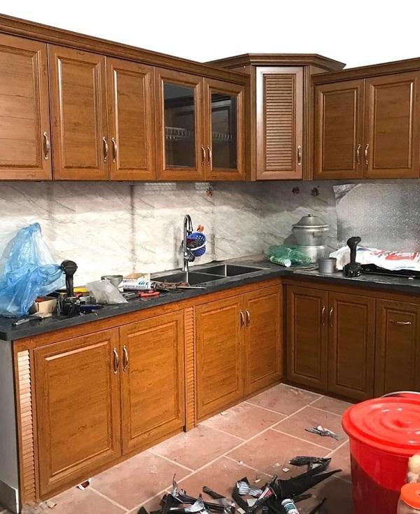 lắp đặt tủ bếp nhôm omega nhanh đẹp giá rẻ