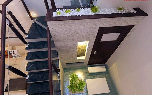 nhà vệ sinh dưới gầm cầu thang