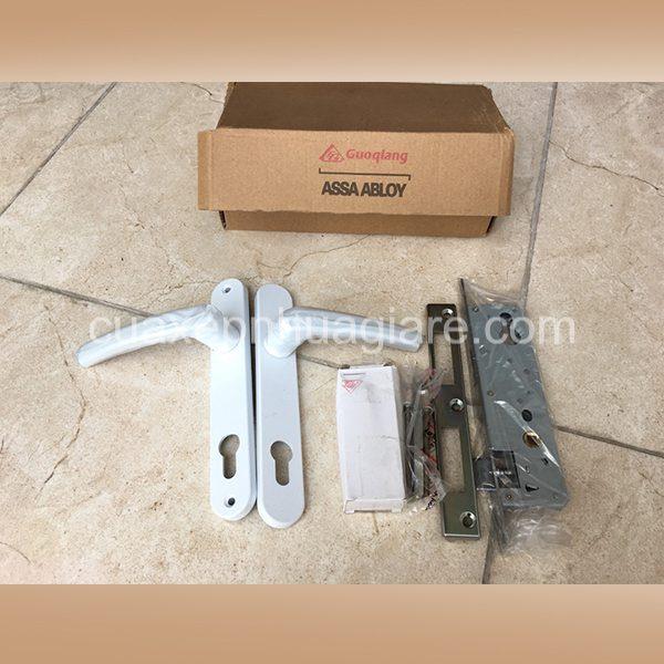 khóa đơn điểm cửa nhựa lõi thép gq assa abloy