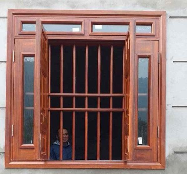 cửa thép vân gỗ cho cửa sổ đẹp