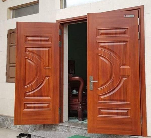 cửa thép vân gỗ giá rẻ