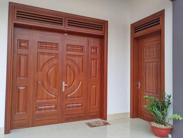 cửa thép vân gỗ giá bao nhiêu tiền m2